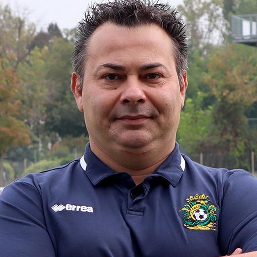 http://www.colornocalcio.com/wp-content/uploads/2019/10/Staff-Enrico-Grassi-Fisioterapista.jpg